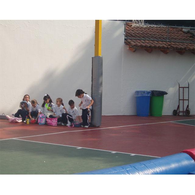 PROTECCIONES PARA AREAS DE PELIGRO Y POSTES DE BASQUETB...